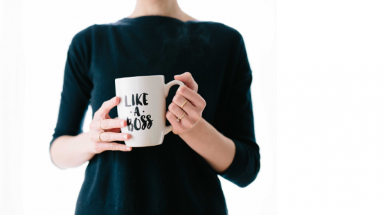 """Ultimate Cheat Sheet For """"Mompreneurs"""" To Balance Work and Family"""